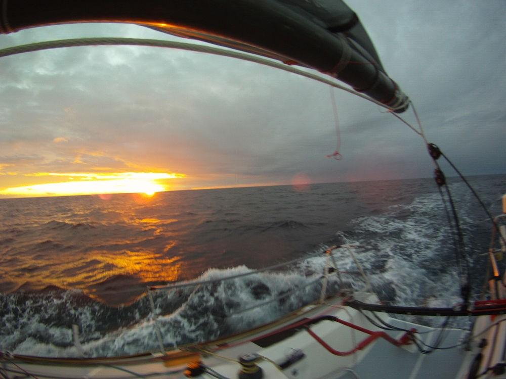Atlantico - Il cielo si tinge di colori caldi