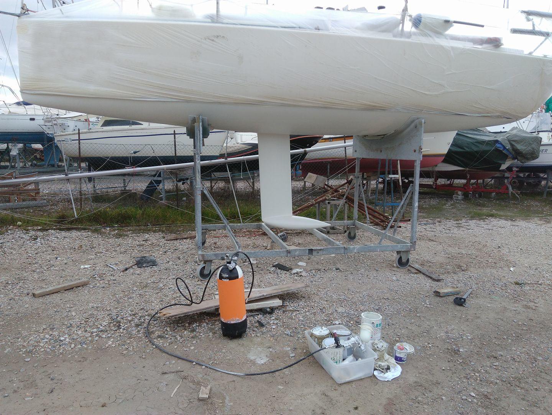 Fare carena alla barca - Pronti a dare il primer