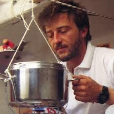 Velisti Italiani - Giovanni Soldini con pentola a pressione