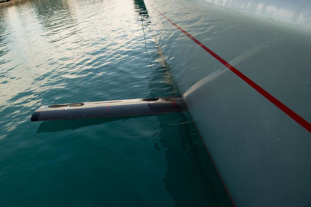 Barche a vela con foil - Foil laterale di Wild Oats XI