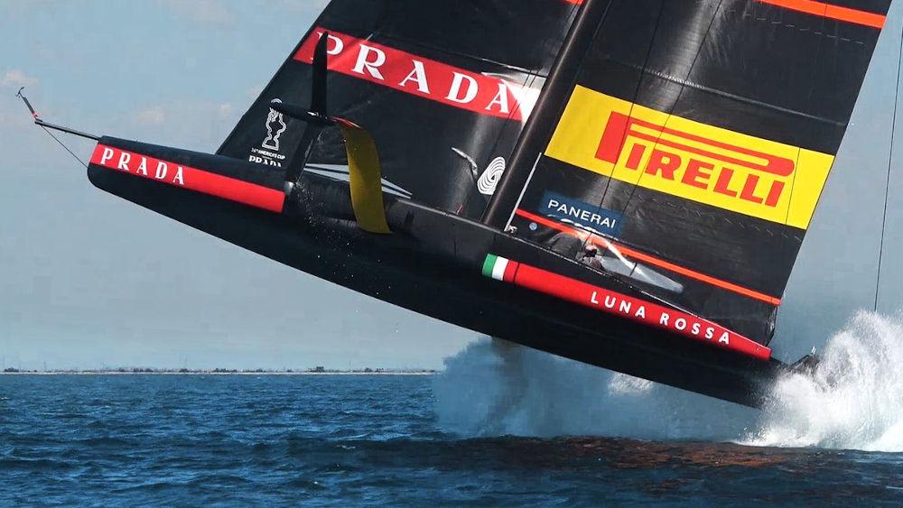 Barche a vela con foil - Luna Rossa Prada Pirelli